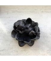 Baby in lelie bronskleurig