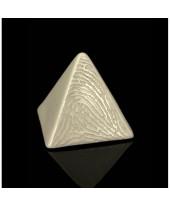 Vingerafdruk urn piramide