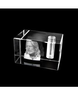 Vierkante kristallen urn