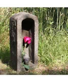 Meditatie grot steen